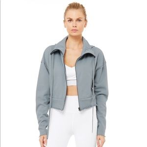 ALO yoga trail jacket in Blue haze